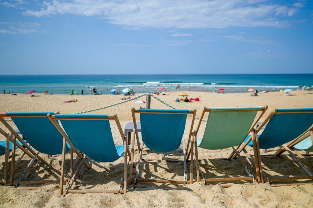 Seignosse, l'océan et des transats L'Océan depuis la  terrasse, les pieds dans le sable 7Artisans 28mm F1.4  F2.8 - ISO 80 - Leica M9
