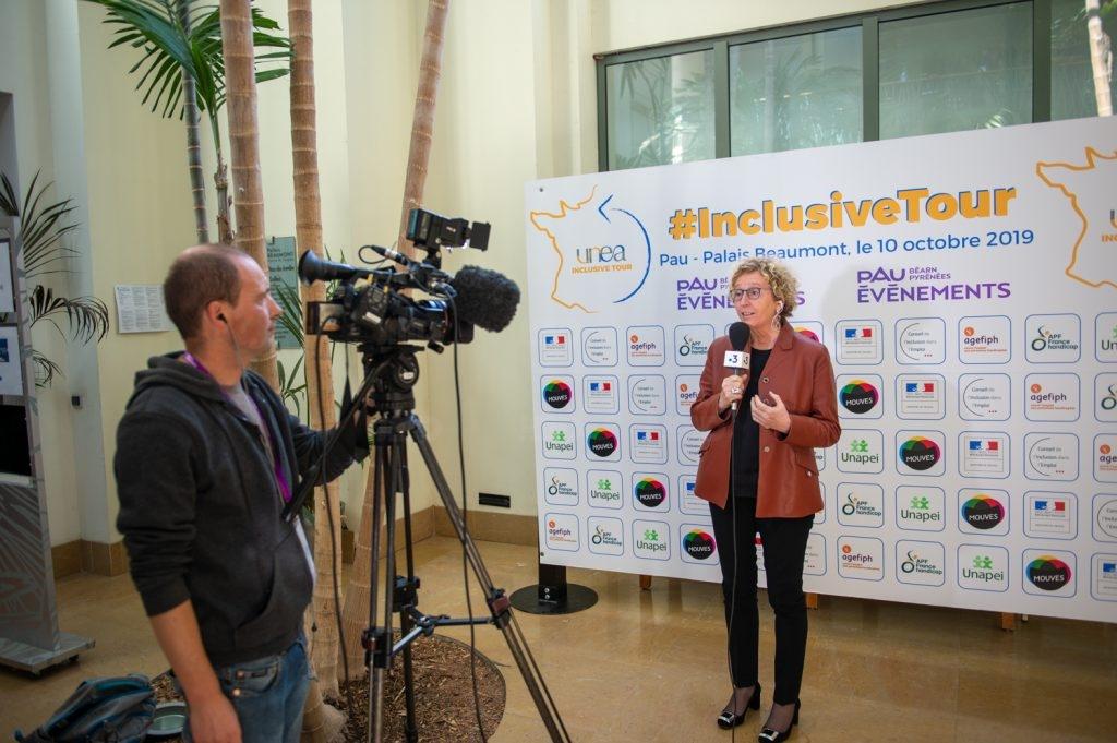 Muriel Pénicaud Ministre du travail  au congrès de l'UNEA au Palais Beaumont à Pau lors de son direct avec France 2/3