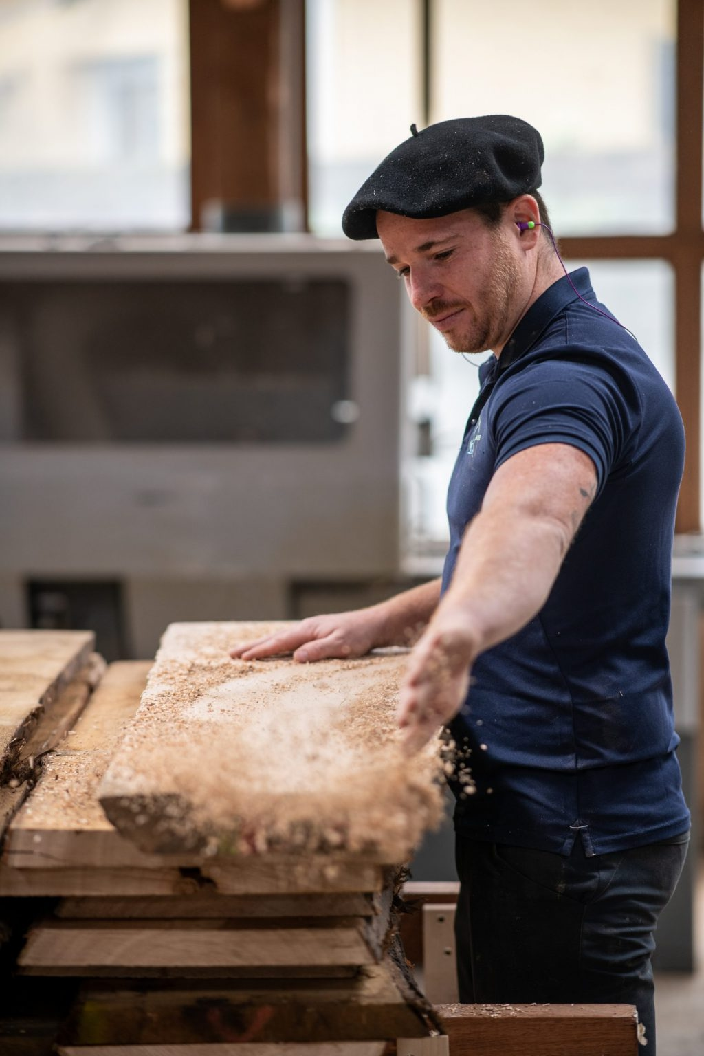 Menuiserie du Soulor, nettoyage de copeaux de bois