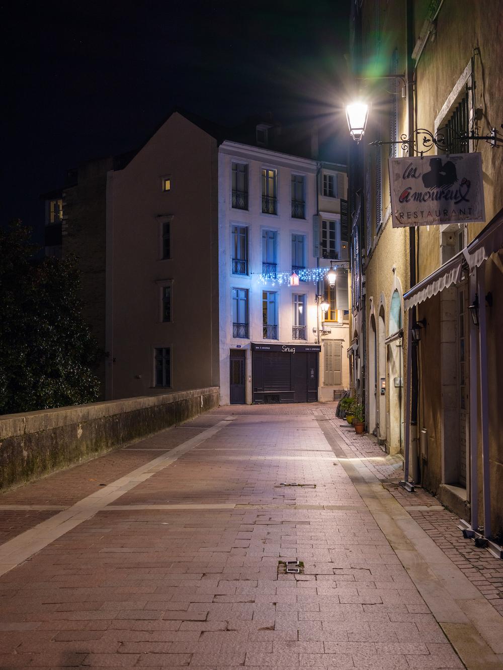 Photo  d'une partie de la rue  du Château, Pau, quartier du château