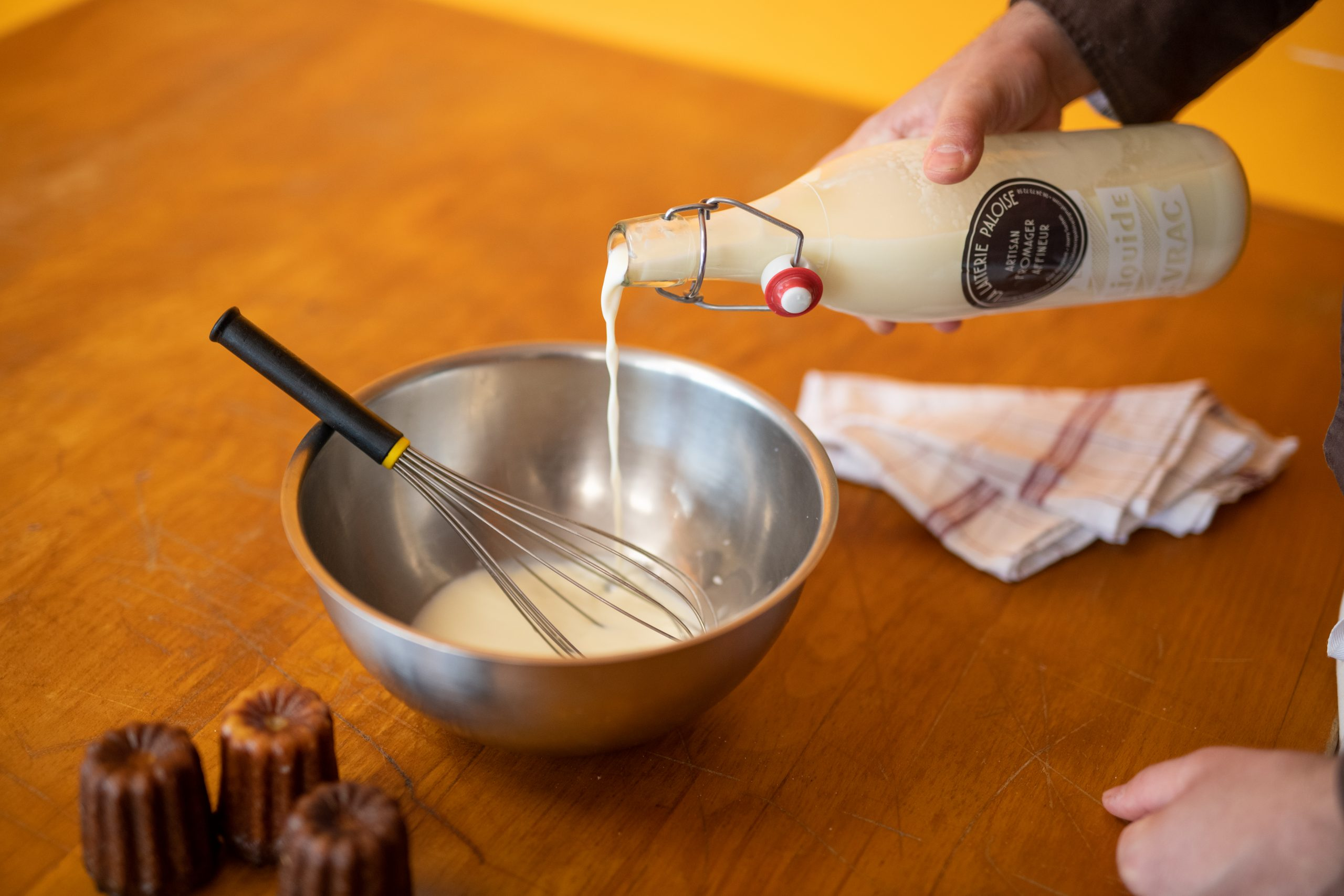 Lait artisanal de qualité (La Laiterie Paloise) pour réaliser de délicieux Cannelés