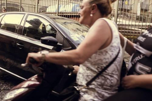 Naples / Napoli, scooter passe